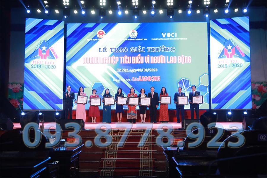 Lễ trai giải doanh nghiệp tiêu biểu Công Ty Thông tắc bồn cầu quận 3 Hưng Phúc